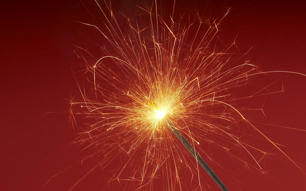 2012 Sparkler HD Wallpaper