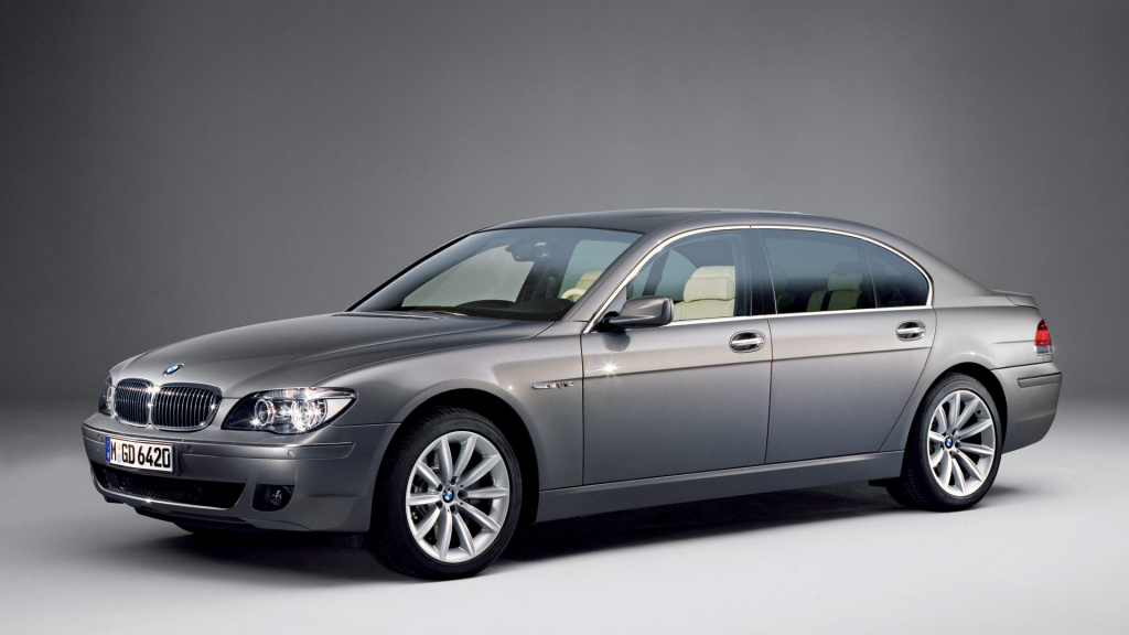 BMW 760iL HD Wallpaper
