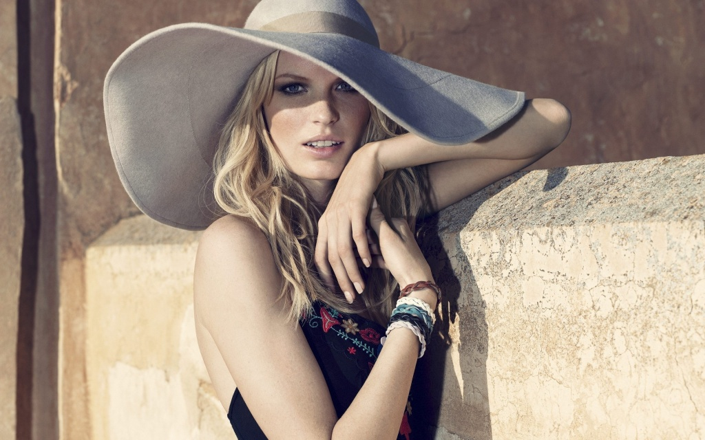 Caroline Winberg HD Wallpaper