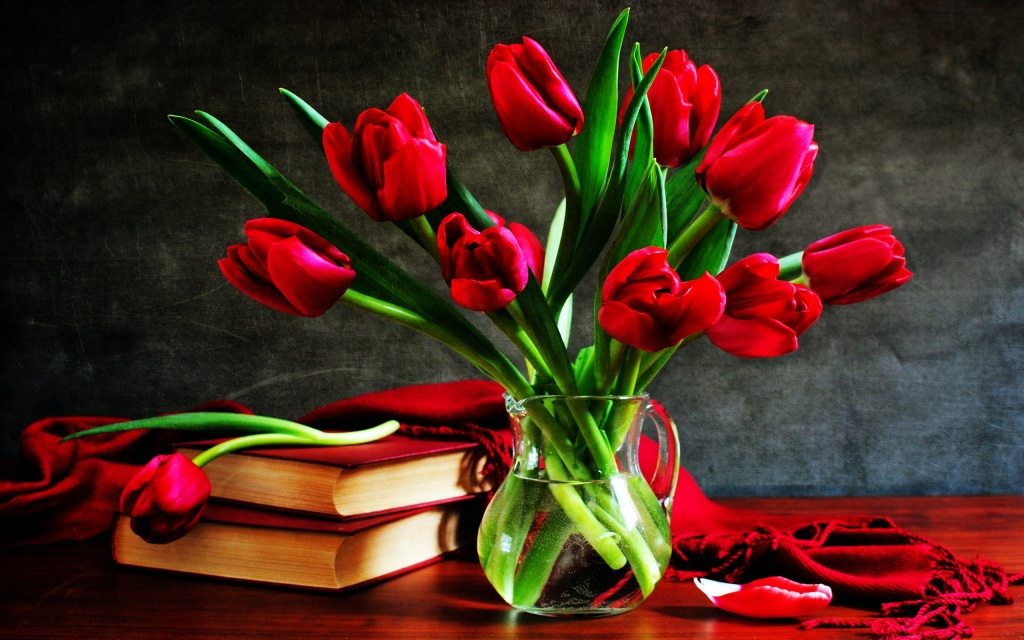 Red Tulips In A Glass Vase HD Wallpaper